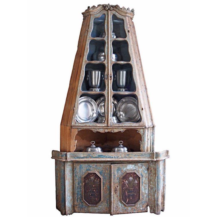 18c Venetian Encoignure (Corner Cabinet)