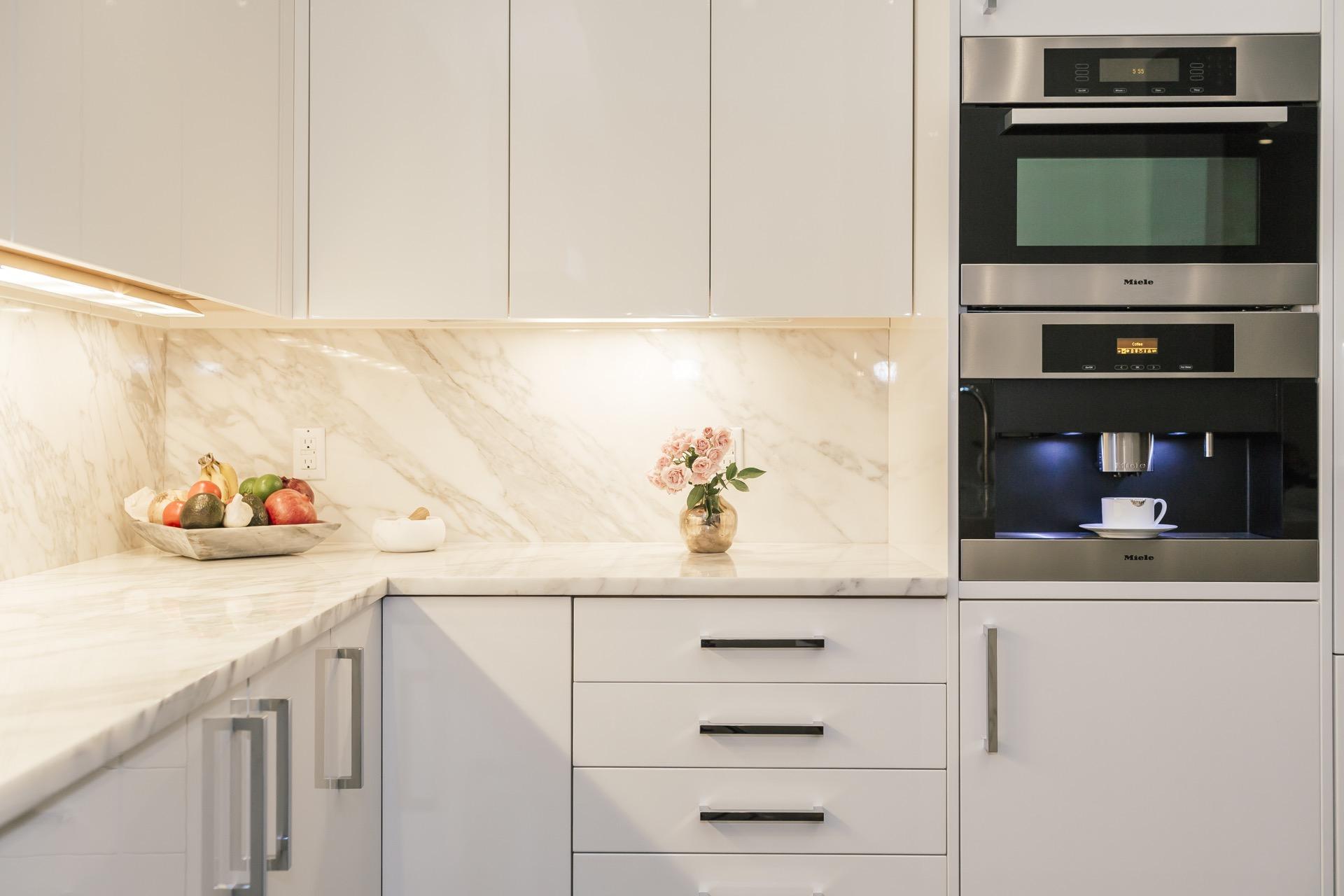 Tara shaw interior design new orleans contemporary for Kitchen design 70115